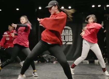 647老师和她的小伙伴们的开年新作,红红火火迎新年!@刘诗琦-小詩 #舞蹈##嘉禾舞社#