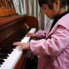 天爱六岁零四个月演奏莫扎特《C大调变奏曲》,此作品在中国也叫《小星星变奏曲》,共有12个变奏。这是其中第9到第12变奏。#音乐##10后气质小琴童##热门#@美拍小助手