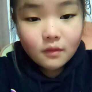 短发姑娘手势舞##玩翻经典色##棉花糖手势舞图片