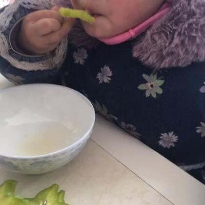 #宝宝#第一次吃杨桃