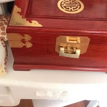 我的新首饰盒为什么看上去就给我的感觉怪怪的呢…………