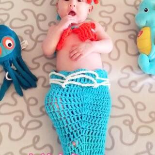 #混血萝莉小苹果#小美人鱼自带魔法,一秒蜕变成人形😂#宝宝##混血宝宝#