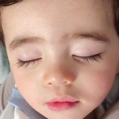 森哥睡着的时候就是我放飞自我的时候😂😂😂😂#宝宝##Yusen十三个月#