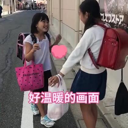 丽奈和她的好朋友👭两个孩子好可爱呀😍期待着春天的到来、可以给丽奈穿各种可爱的裙子👗#宝宝##魔法涂鸦##我要上热门#@美拍小助手 @小慧姐在日本