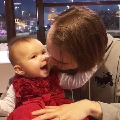 #宝宝##父女俩##荷兰混血小小志&柒#😤😤我这女儿是她爹生的,哼!