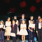 这是上个月的罗马之行,送给喜欢她的你们。配乐是意大利作曲家Giovanni Allevi的Go with the Flow(顺其自然),这也代表着我们为人处事的态度,包括学琴。这首曲子的MV讲述了一个父母频频吵架的芭蕾女孩的故事。Allevi在MV中弹着美丽的贝森朵夫大三角,给我留下很深的印象。