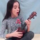 #热门#猴小妞自学尤克里里的汇报演出—《Riptide》!#音乐#