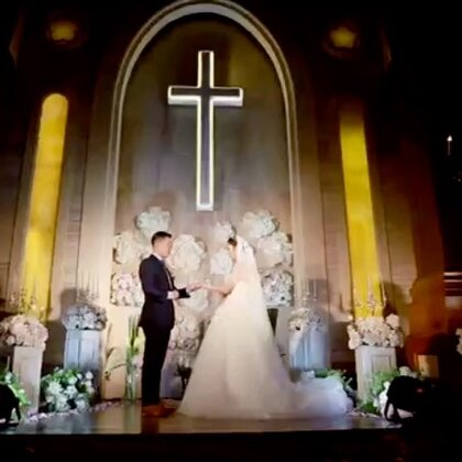 给大家剧透一点点😂😂成片还需要一个月后才能看到😘😘😘😘感谢所有宝宝的陪伴、感谢所有宝宝的祝福,爱情、就是这样,要嫁就嫁给爱情,你结婚并不是只是一个形式,而是你和你的那个他的爱情,女人这一生中,最重要的一天,无关时间,只要遇见对的那个他,不管什么时候都不会晚❤️