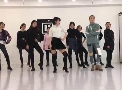 #蹦迪舞bboombboom#哈哈哈太魔性啦,一起抖腿嗨起来吧~#舞蹈##精选#