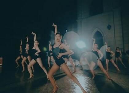 特务#拉丁舞#,小姐姐们神秘而性感,有没有迷倒你呢?想和她们一样美丽迷人吗,那就开启你的#舞蹈#之路吧,零基础可学教练班火爆招生,毕业后推荐就业,不心动吗?#精选#咨询微信:danse68