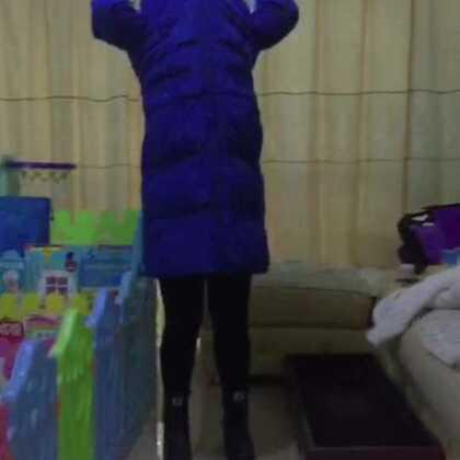 #宝宝长高了##戏精大挑战#六个月27天的宝宝~~宝宝变成了大长腿!哈哈哈哈😄😄😄