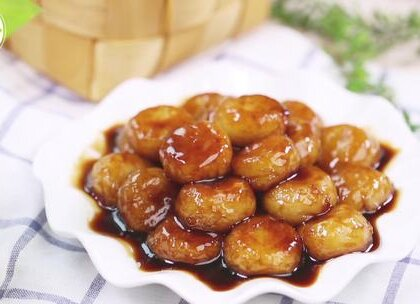 #美食##小吃#油汤圆煮得软糯入味,皮又略有嚼头,香甜可口,吃起来非常过瘾。