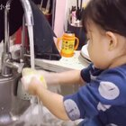 发个上个月库存。某一顿晚饭后 她把我们吃火锅的餐具全给刷完了😂👉https://m.weibo.cn/1798050592/4191501653209785 #r熙️成长##宝宝##r熙37个月#