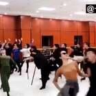 内蒙古呼和浩特一舞团脑洞大开,把蒙古舞融进网红神曲中,编导一出创意#舞蹈#,爆红网络👍@美拍小助手 喜欢请点赞+转发 更多精彩请关注微博:一起看MV