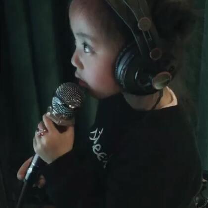 上来就是刘欢的歌,哈哈哈哈!哈滴瓜!#宝宝#