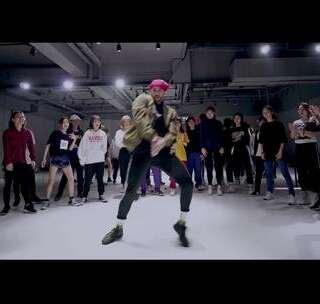 😍😍帅弊了秒变迷妹 #舞蹈# ✨寒假集训明星外教GABI @Gabi.Dancer 😚炫酷编舞 #B.E.D# @美拍小助手 超有挑战性的控制力训练😍😍 #我要上热门# 简直是撩妹狂魔😜 @炫舞君 佛山广州爵士舞 更多精彩关注公众号:dtwudao @舞蹈频道官方账号