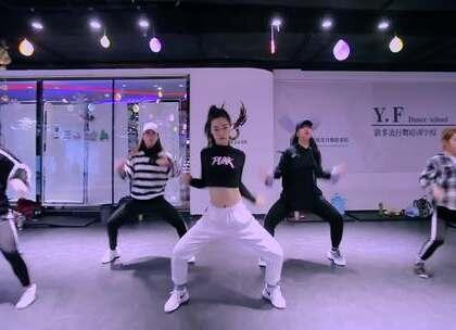 #舞蹈##Boom#【欲非舞蹈】百人一线强化班Alina娜娜导师最新随堂视频Tiësto - Boom哇塞,这节奏感,这鼓点不要太兴奋!娜娜老师跳的真好,节奏感十强!帅气扑面而来!为娜娜老师打call🔥🔥🔥#我要上热门#@美拍小助手
