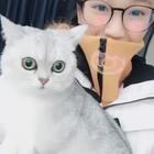 #精选##日志##穿秀#封面给不给好评 Miumiu超配合👀上海今天下超大雪 好开心🤓评论告诉我 你最想去哪里旅游呀👻