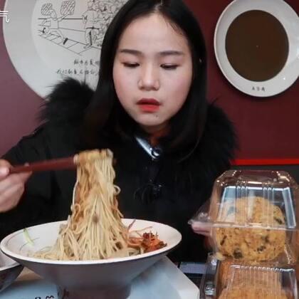 炸酱面/肉粽和鲍师傅的肉松小贝~ #吃秀# 原速链接:http://www.bilibili.com/video/av18665338