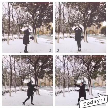 雪下的那么深…下的那么认真!❄️❄️❄️#南方的雪#步行上班🚶♀️🚶♀️再冷也不能抖不能哆嗦…记住你是学舞蹈的 走路要拽😂😂