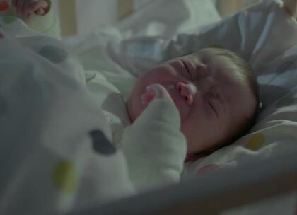 #一招让宝宝睡整觉#宝宝晚上总是醒,又哭又闹,闹得全家都睡不好。粑粑麻麻们,想让宝宝睡整觉,你应该知道这个小秘密。#拜托了妈妈#