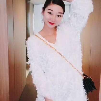 每周二日常穿搭推荐超仙女的裙子#穿秀##显瘦穿搭##穿衣搭配#@嘉博姐姐 @美拍小助手