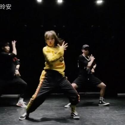 踢飞恨天高,扎起马尾辫,粥哥也来帅一回😂😎#hiphop##街舞##舞蹈#