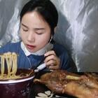(2)吃播 乐山甜皮鸭~ 螺蛳粉/梨梨寄来的芋泥蛋糕和草莓蛋糕~原速链接:http://www.bilibili.com/video/av18988840