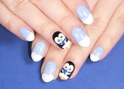 #美妆时尚##我要上热门#这个冬天做一款呆萌小企鹅美甲,应景又可爱!☺😉#冬季美甲#