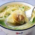 用简单的材料做一碗热气腾腾的馄饨,自己做的皮薄馅多,一口一个不要太满足😭用高汤会更好哦!(留下你的小爪👍) #家常菜##早餐##美食#