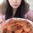今天吃🦐,紫甘蓝炒粉丝,青菜狮子头汤#吃秀##我要上热门#@美拍小助手