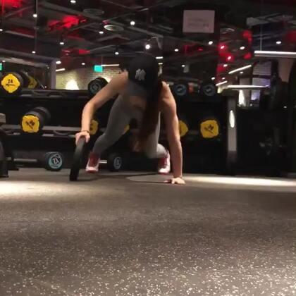 肌肉这东西 那有什么天生丽质 鬼知道我每天都练了些什么#运动##健身#