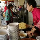 #美食##跟着强哥逛台湾#拉仔面(火)米苔目 大人小孩都爱吃。员林在地人的好滋味。