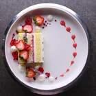 花式摆盘技巧,看到U乐国际娱乐这么高的甜品真是舍不得把它吃掉🎉🎉#美食##半夏食谱##我要上热门#