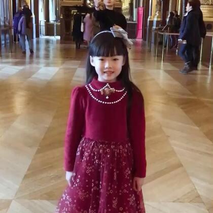 六岁巴黎歌剧院里唱歌😘