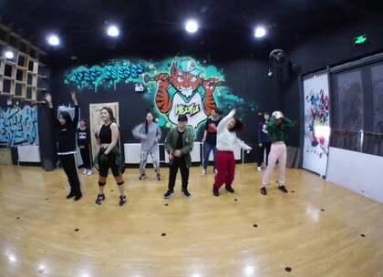 #唯舞街舞##齐齐哈尔街舞#双贺老师urban班,假期三期班展示~~~