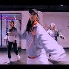 #舞蹈##She's Mine#【欲非舞蹈】Alina娜娜导师最新课堂VAV (브이에이브이) - She's Mine哈喽,大家都已经到家了嘛?在家也不要忘记跳舞哦,娜娜老师随堂视频,够嗨吧!😝😝😝娜娜老师真的好酷呀,喜欢😍😍😍