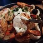 今天大年初一,你们吃了什么好吃的?我今天吃的墨西哥海鲜铁板烧,黑松露带子焗土豆泥和墨西哥三文鱼卷饼,海鲜全都又新鲜又嫩,你能看出我今天吃了多少种食材吗?BGM:Lucky#年夜饭##意大利餐厅#