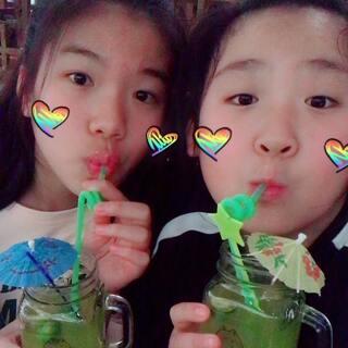 @大黎o兮子.💘 @彤.SOlO 找到了一张去吃饭的照骗🙃🙃很美吧😘😘新年快乐🍾️🎉🎊🎈#精选##U乐国际娱乐#广州和北京的差距发图片😝😝😝😝😝😝😝😝😝😝