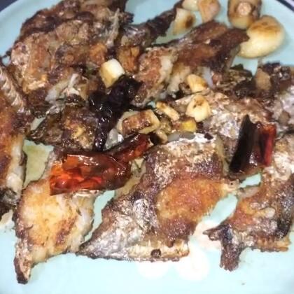 干煎刀鱼#美食##家常菜##吉祥年菜#干干脆脆好好吃,小伙伴们新年快乐,大吉大利。