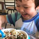 吃打卤面喽🍜用木耳、佛手、胡萝卜,鸡肉做的卤😋👍🏻#宝宝##宝宝辅食##我要上热门@美拍小助手#