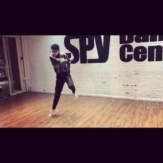 拍好的视频丢掉了 就剩10秒🤣#舞蹈#