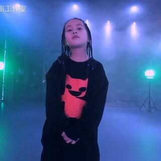 三石| 跳得不如小朋友系列,Lulu编舞🎵On my mama,Dancer:戴梦琳。8岁的小U乐国际娱乐从头帅到脚👏👏。 少儿2018春季班招生中。#舞蹈##三石舞蹈教室##少儿街舞#