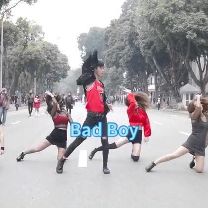 #我要上热门##舞蹈##bad boy#Red Velvet - Bad Boy' Dance Cover By YNG From Vietnam(正片+花絮)小哥哥也是不容易 感冒感成🐶还要出来录视频 真的要笑死了😄