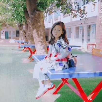 #宝宝##精选##对着天空弹电线##穿秀#