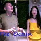 """和自己的偶像@DharniMusic 一起完成了一首#the ocean#翻唱👻 如此所谓""""世界顶级bboxer与中国四万八千线小歌手""""的组合...真是委屈达尼了☺️☺️@音乐频道官方账号"""