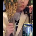#吃秀##热门##重庆#这个封面对我来说可厉害了哈哈 心心念念的玉米串!!!吃着可爽了 两个人吃了五百的烧烤。睡前都还胀着 又跑出去吃了🌚今天又吃了喜欢的碗杂面和凉糕 等下吃了饭就可以回家啦~最后一顿真不知道吃啥了🌚