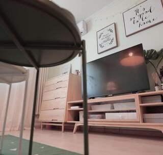 51㎡小夫妻房扮成红绿马卡龙色太浮夸?其实,她真是个实用派~#室内设计##室内装修##生活品质#