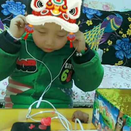 #小戏精的诞生##小公举的新年与中国红更配哦##栖仔宝宝##最好的舞台#@贝亲Pigeon @美拍小助手