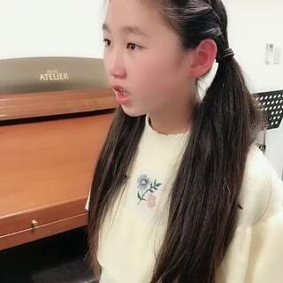 今天丽奈上声乐课😄@美拍小助手 #宝宝##U乐国际娱乐##日志#